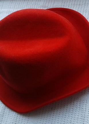 Теплая шляпка.