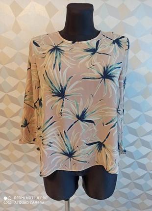 Нежная блузка с ассиметричная низом