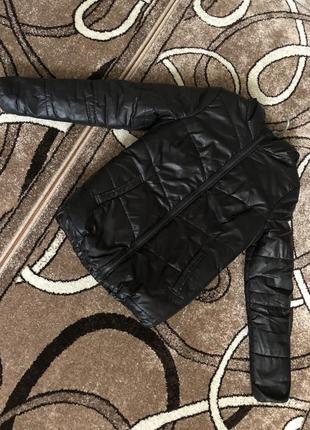 Зимняя курточка , размер м