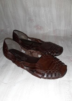 Коричневые шоколадные кожаные закрытые босоножки на низком ходу