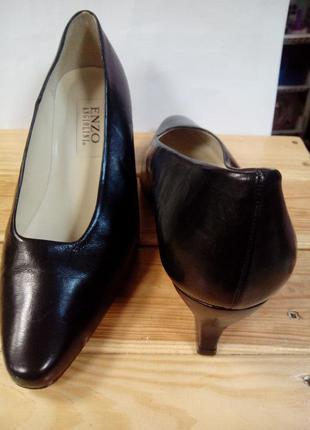 Туфли лодочки классические черные. кожа. италия