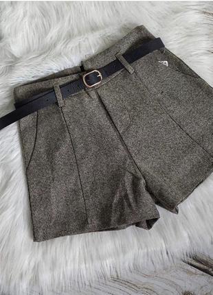 Стильные шорты-бермуды из твидовой ткани