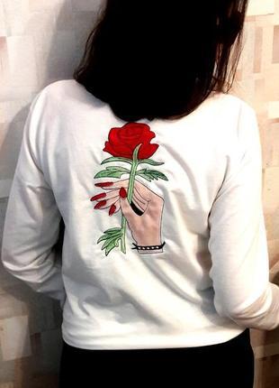 Белоснежный пуловер кофточка с вышивкой  от  jumeifushi