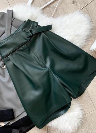 Теплые стильные шорты кожзам экокожа кожаные утепленные трендовые высокая посадка талия
