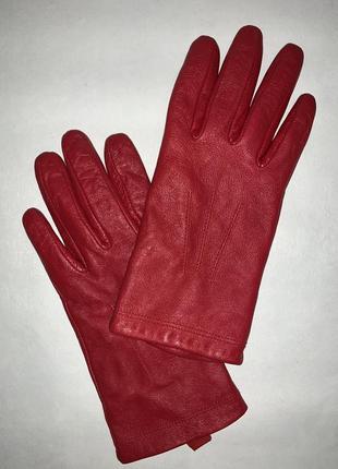 Женские кожаные перчатки на подкладке marks & spencer.