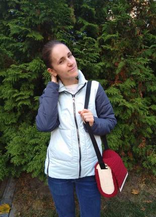 Женская сумка с деревянными вставками.