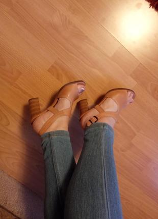 Англия,люкс!шикарнейшие,кожаные сандалии,босоножки,ботильоны,сланцы,шлепки,37р.3 фото