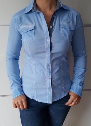 Рубашка с нашивками *