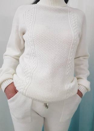 Вязаный брючный костюм с итальянской пряжи бесшовный  распродажа  цвет молочный