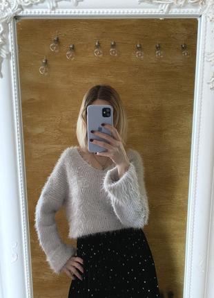 Мягкий пушистый свитер оверсайз джемпер травка с v-образным вырезом от atmosphere