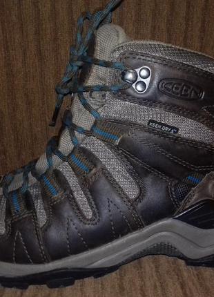 Ботинки мембранные keen gypsum mid(сша), водостойкие, дышащие.