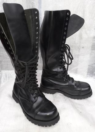 Ботинки высокие , оригинал boots & braces 40 размер
