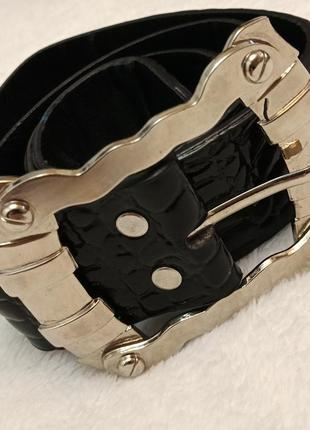Черный кожаный лакированый ремень пояс