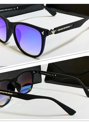 Мужские солнцезащитные очки с зеркальными линзами в матовой оправе