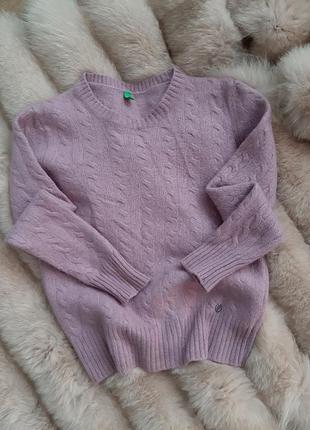 Мягенький шерстяной свитер
