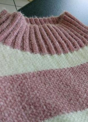 Женский свитер в широкую полоску3 фото