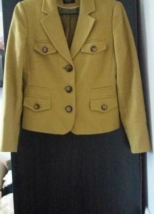 Пальто  , пиджак жовтого кольору