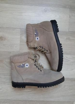 Новые женские ботинки сапоги