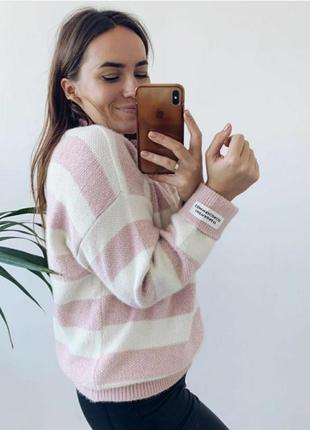 Женский свитер в широкую полоску1 фото