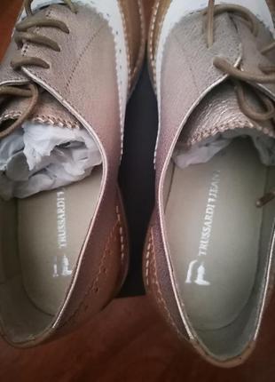 Новые кожаные туфли trussardi