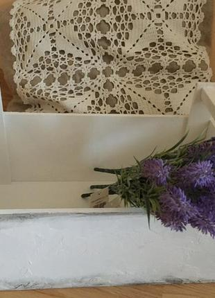 Деревянная белая коробочка