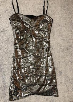 Нарядное,новогоднее платье в серебряную паетку