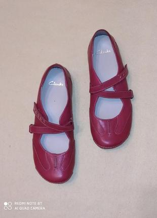 Комфортные кожаные туфли от clarks
