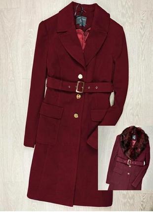 Пальто винного цвета