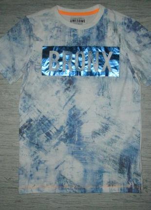Клевенькая футболочка bronx фирмы  f&f на 10-11 лет