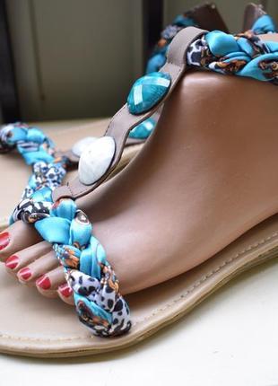 Стильные сандалии сандалики босоножки молния на пяточке летние туфли