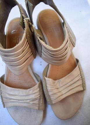 Кожаные босоножки сандали летние туфли кларксы