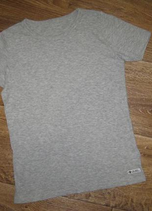 Нательная футболка от next , 7-8лет    78грн
