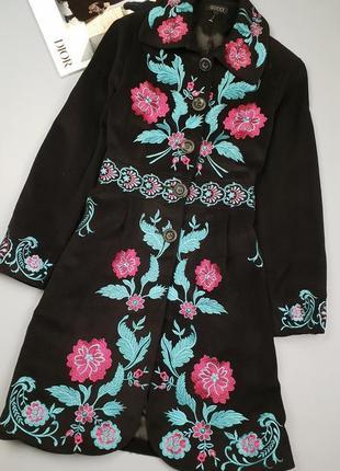 Шерстяное пальто с вышивкой  gucci  p.m