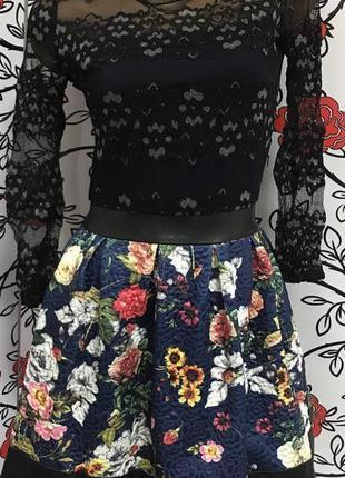 Нарядное платье , верх гипюр , низ принт цветы