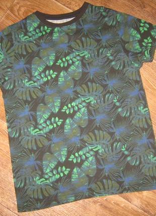 Трендовая футболка в лиственный принт от primark, 11-12лет    118грн