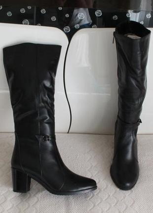 Зимние кожаные сапоги, сапожки 37 размера на устойчивом каблуке