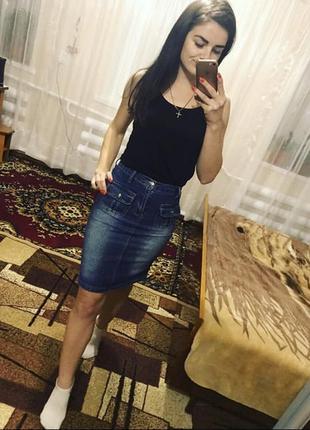 Удлинённая джинсовая юбка