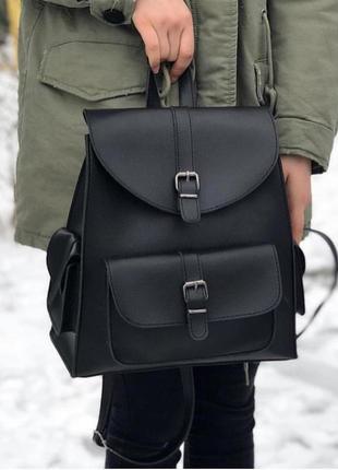 Стильный черный городской рюкзачок из эко-кожи с карманами вместительный рюкзак3 фото