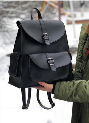 Стильный черный городской рюкзачок из эко-кожи с карманами вместительный рюкзак1 фото