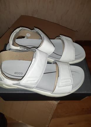 Кожаные сандалии ecco 41