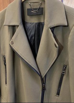 Пальто бренда reserved