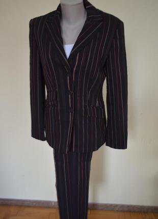 Шикарный деловой брючный костюм черный в полоску