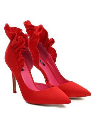 Шикарніші нарядні червоні туфлі 220 грн