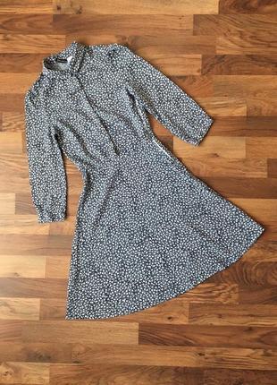 Стильное вискозное синее платье в розовые цветочки xxs