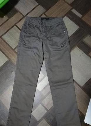 Брюки чинос штаны