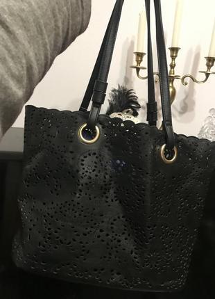 Чёрная вместительная сумка кожаная новая