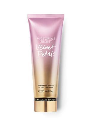 Фирменный лосьон для тела velvet petals от victoria`s secret с парфюмом