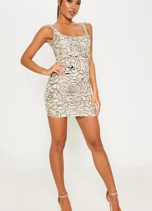 Prettylittlething.товар с англии.кружевное платье с цветочным принтом. на наш размер 44.
