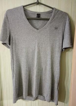 Качественная, брендовая, котоновая футболка серого цвета.  бренд g-star состав 100%cotton