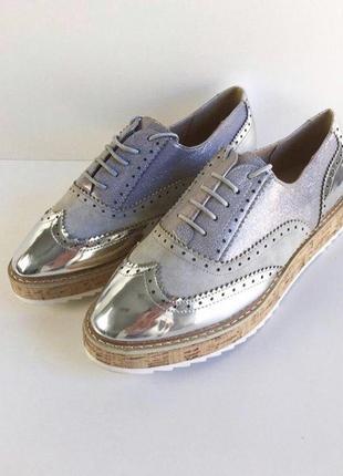 Стильные туфли броги оксфорды на танкетке